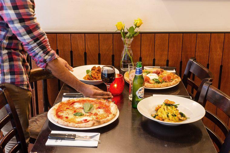ชุดโต๊ะรับประทานอาหาร สำหรับธุรกิจร้านอาหารเปิดใหม่ สไตล์ Contemporary จาก ECF